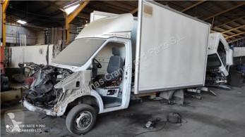Náhradné diely na nákladné vozidlo Différentiel pour minibus MERCEDES-BENZ SPRINTER 4,6-t Furgón (906) 413 CDI prevodovka ojazdený