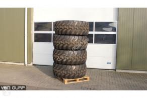 Repuestos Universal 600 65R23 wielen Neumáticos usado