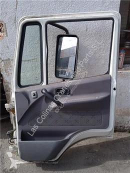 Náhradné diely na nákladné vozidlo Nissan Atleon Porte pour camion 110.35, 120.35 ojazdený