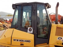 New Holland BULLDOZER NH D180 used cabin