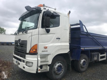 camion benne Hino