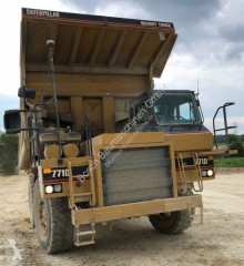 Tombereau rigide Caterpillar 771D