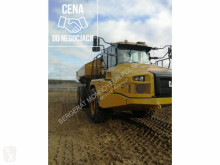 Tombereau articulé Caterpillar GC