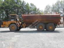 عربة قلابة Caterpillar D300 / Wasserfass Magnum 26500 عربة قلابة مفصلية مستعمل