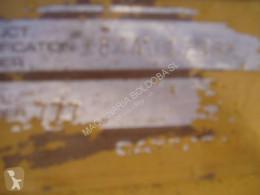 Vedeţi fotografiile Autobasculantă Caterpillar 777
