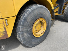 Vedeţi fotografiile Autobasculantă Caterpillar 745C