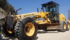 Niveladora New Holland F 156.6 A usada