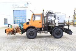 Mercedes sprayer road construction equipment Unimog 427/10