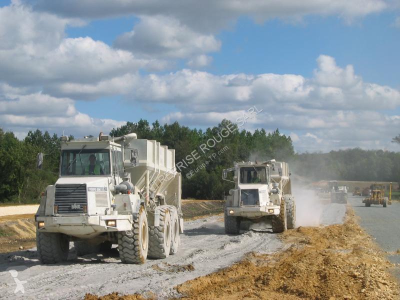 Vedeţi fotografiile Echipamente pentru lucrari rutiere nc DUMPER VOLVO A 25