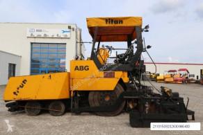 Obras de carretera pavimentadora ABG Titan 455