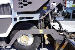 Vedeţi fotografiile Echipamente pentru lucrari rutiere Volvo ABG 6870 work width 5m , basket 12m3