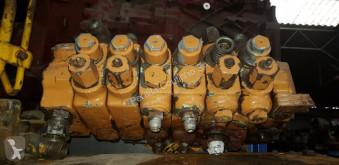 porte engins nc Distributeur hydraulique CASE pour tractopelle CASE 580 K / SK / SLE New Holland 580