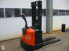 BT SPE 125 stacker