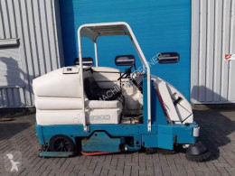 Tennant Schrob- zuig- veeg- machine, elektro used sweeper-road sweeper