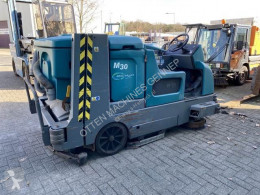 Tennant M30 schrobmachine veegmachine - FOR PARTS used sweeper-road sweeper