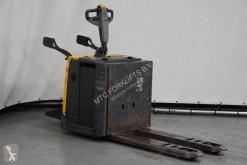 Stand-on pallet truck PMR200P