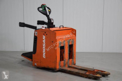 Transpaleta Doosan LEDH20MP de conductor a pie usada