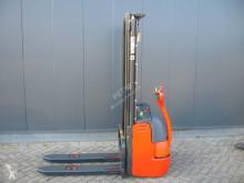 Стакер ръчноводим Linde L 12