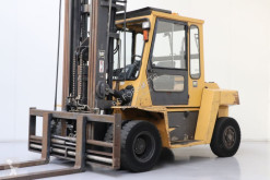 Caterpillar heavy forklift DP70