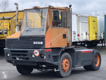 tracteur de manutention Sisu