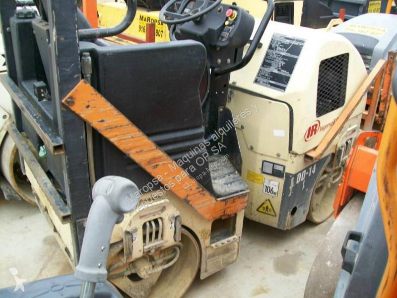 Vedeţi fotografiile Compactor Ingersoll rand DD 14