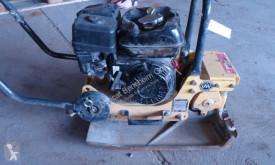 Compactador Bomag BVP18/45 compactador a mano placa vibratoria usado