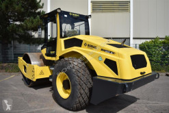 Monocilindru compactor Bomag BW 213 D-5