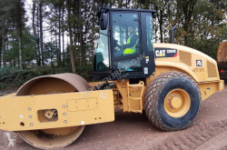 Caterpillar CS64B used tandem roller