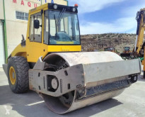 Bomag BW 211 D-4 еднобандажен валяк втора употреба