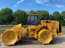 Compacteur Caterpillar 836K demo with 270 hours
