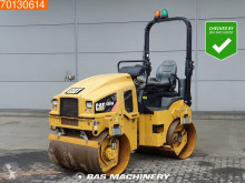 مدحلة Caterpillar CB24B مستعمل