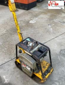 Zhutňovač Wacker Neuson BPU2440A ručný zhutňovač vibračná doska ojazdený