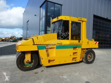 Caterpillar PS 300 B compacteur à pneus occasion