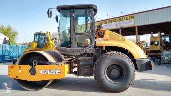 Compacteur monocylindre Case 1110 EX