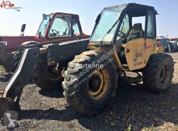 Voir les photos Chariot télescopique New Holland LM 630