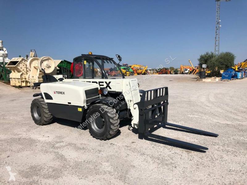Voir les photos Chariot télescopique Terex 2506