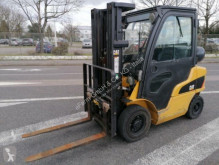 chariot télescopique Caterpillar