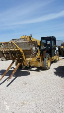 chariot télescopique Caterpillar TH 63