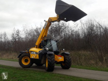 JCB 526-56 telescopic handler used