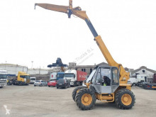 JCB 525-67 telescopic handler used