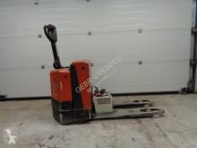 Empilhador porta paletes acompanhante te koop bt stapelaar/pompwagen