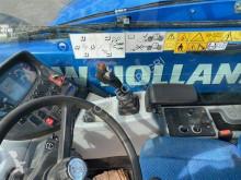 Преглед на снимките Телескопичен товарач New Holland LM 735