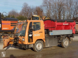 Mercedes snow plough-salt spreader ux 100-m 4x4