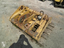 Equipamientos maquinaria OP Caterpillar Attache rapide pour chargeuse sur pneus 938 G Enganches y acoplamientos usado
