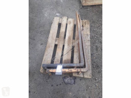 Equipamientos maquinaria OP Case 221E Horquilla para palets usado