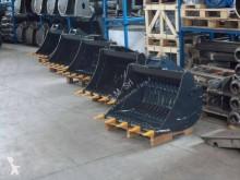 Equipamientos maquinaria OP CM Pala/cuchara usado