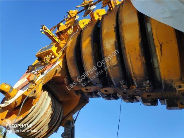 Se fotoene Udstyr til anlægsarbejder Liebherr Bras de grue Tramos Extensiones Pluma pour grue mobile  LTM 1080 TRACCION 8X8