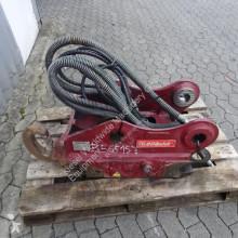 Vybavenie stavebného stroja Attache rapide OilQuick OQ65 pour excavateur uchytenia a spojky ojazdený
