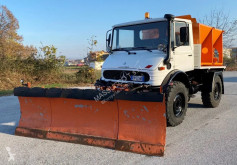 Mercedes snow plough-salt spreader u900