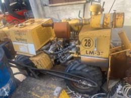 Equipamientos maquinaria OP Vermeer LRC21 usado
